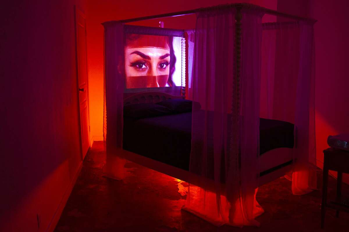 The installation is a feminist spin on the urban legend set at El Camaroncito.