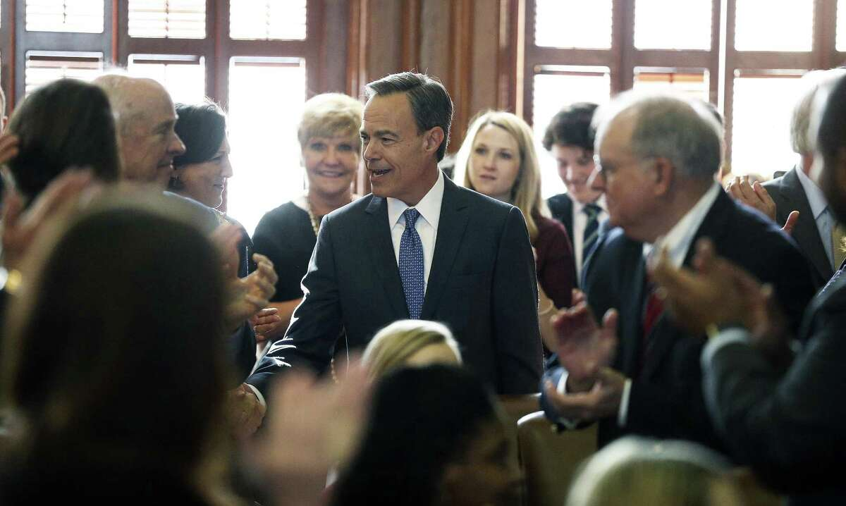 Joe Straus acccepts congratulations after being voted the Speaker as the 85th Texas Legislative session opens in Austin on January, 10, 2017.