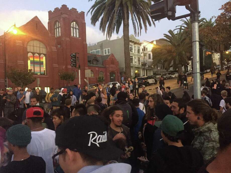 An informal skateboarding competition turned disruptive Tuesday night at Dolores Park in San Francisco when police rushed in to break up the show and a crowd of nearly 400 faced off with officers.