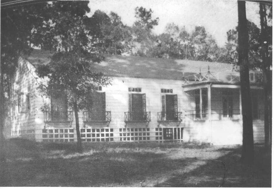 The original clubhouse at Conroe Country Club, which was built in the mid-1930s. The old clubhouse stood until 2009 when it was torn down and a new facility was built in its place.