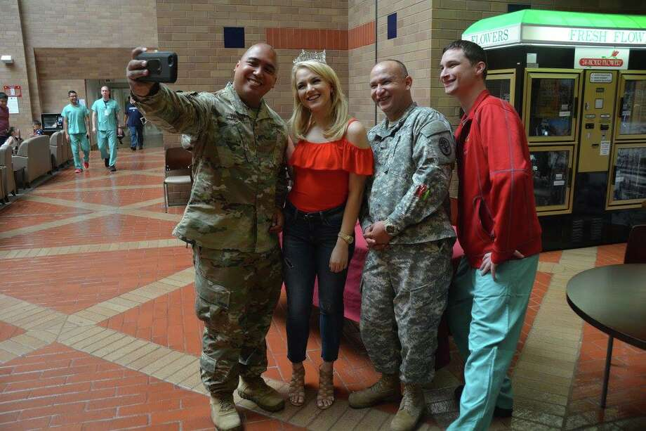 Patients and staff at Brooke Army Medical Center were able to meet Miss America 2017 Savvy Shields on July 12, 2017. Photo: Brooke Army Medical Center