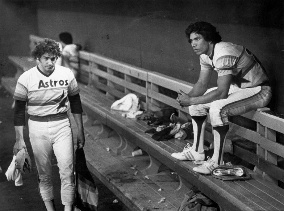 Jose Cruz, right, stares forlornly at the field where the Phillies had just eliminated his Astros from the National League Championship Series in 1980. Photo: Steve Campbell, Staff / HOUSTON CHRONICLE