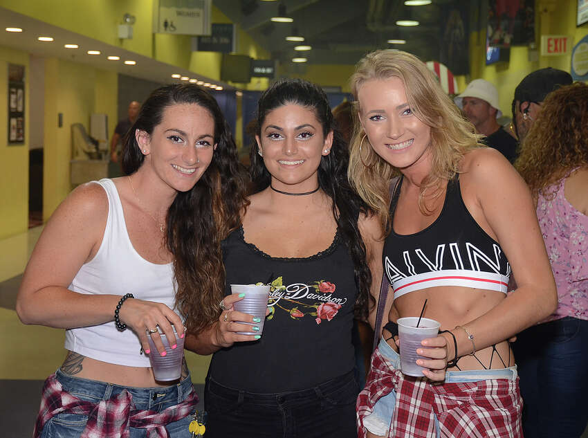 Salt N Pepa, Vanilla Ice, Coolio and other '90s icons hit the stage at Webster Bank Arena in Bridgeport for the
