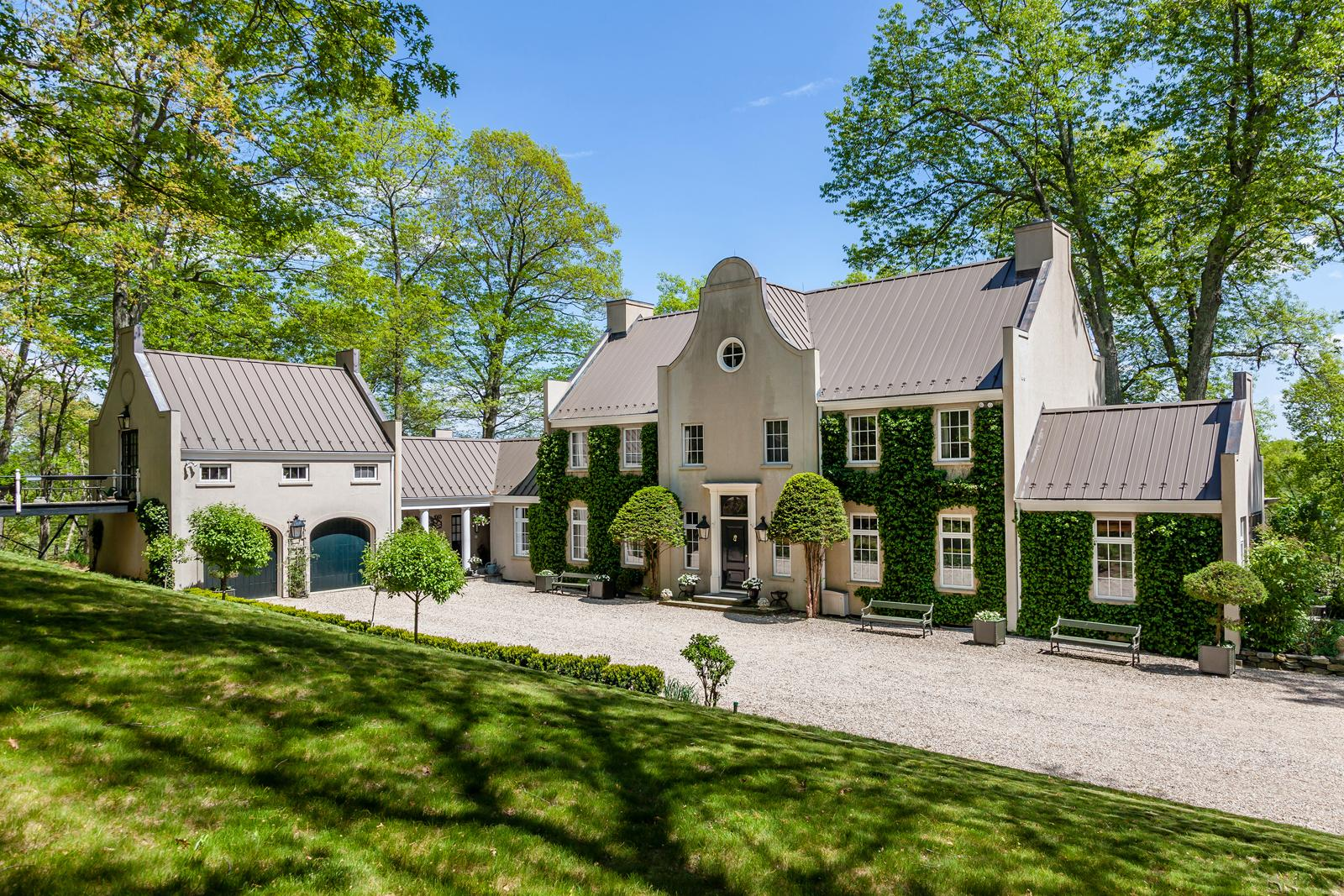 Washington home shows unusual dutch cape style newstimes for Classic dutch house of 60m2