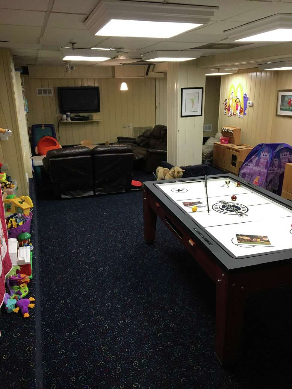 The basement of the Ronald McDonald House at 139 S. Lake Ave., Albany before the 2017 class of Leadership Tech Valley brought in designer Lee Owens to transform the space. (Photo: Lee Owens)