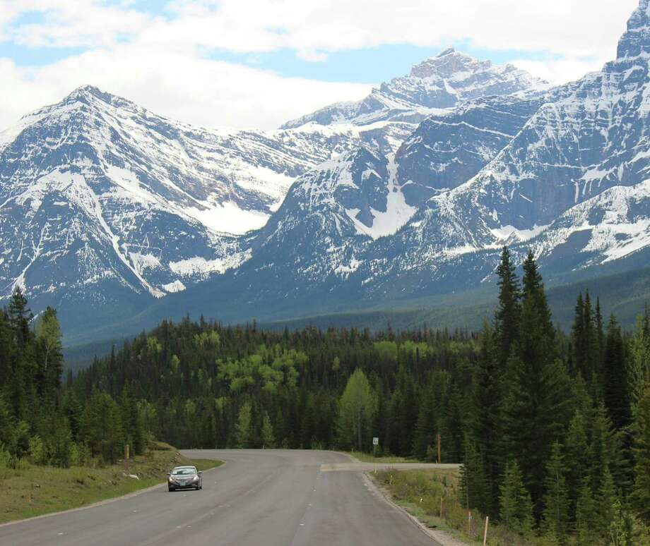 The Icefields Parkway, 144 miles of magnificence that connects Jasper with Lake Louise, has been called one of the world's great drives. Photo: Alan Solomon /TNS / Chicago Tribune