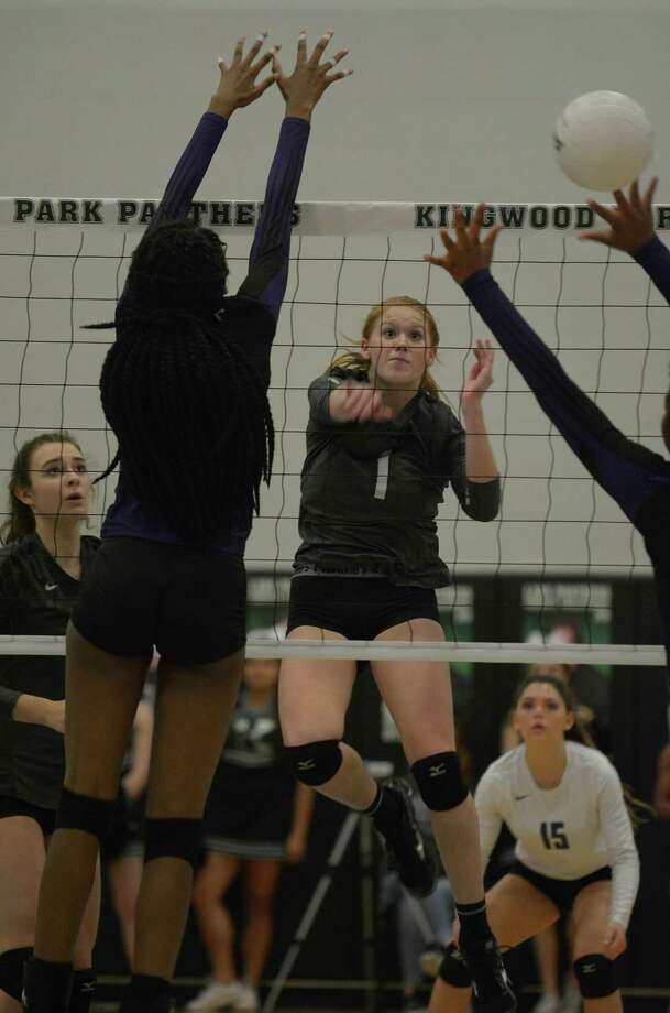 Kingwood Park junior defensive specialist Katey Searcy (1) makes a play against a pair of Humble defenders during their match at KPHS on Sept. 27, 2016. (Photo by Jerry Baker/Freelance) Photo: Jerry Baker, Freelance / Freelance