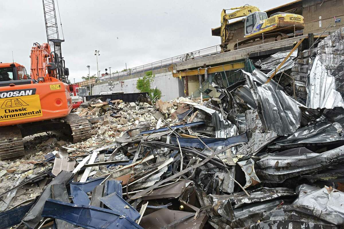Demolition continues on the former train station on Erie Blvd. on Thursday, July 13, 2017 in Schenectady, N.Y. (Lori Van Buren / Times Union)