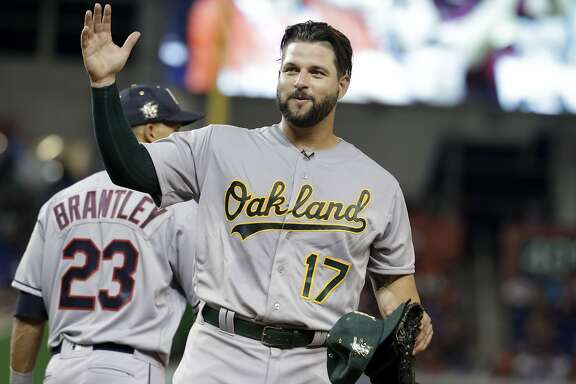 American League's Oakland Athletics first baseman Yonder Alonso (17) waves during the ninth inning at the MLB baseball All-Star Game, Tuesday, July 11, 2017, in Miami. (AP Photo/Lynne Sladky)