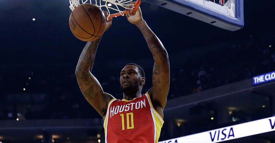 The Rockets signed free agent center Tarik Black to a one-year, $3.29 million contract, two individuals with knowledge of the deal said. Photo: Ezra Shaw/Getty Images