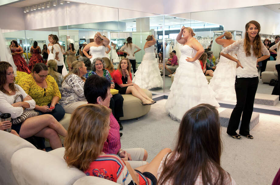 Brides frantic after Alfred Angelo store abruptly closes