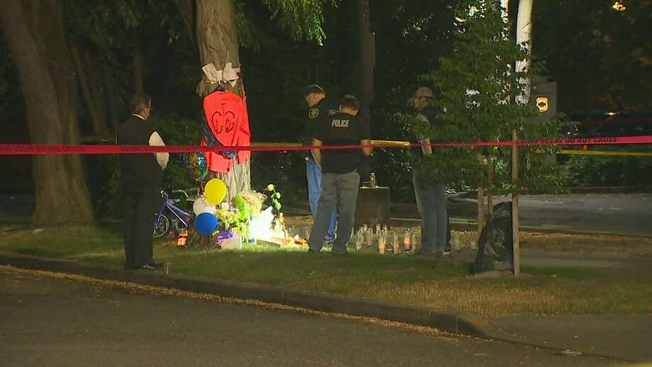 Seattle police investigate a shooting on the night of Friday, July 14, 2017, near 37th Avenue South and South Oregon Street. Photo: KOMO News