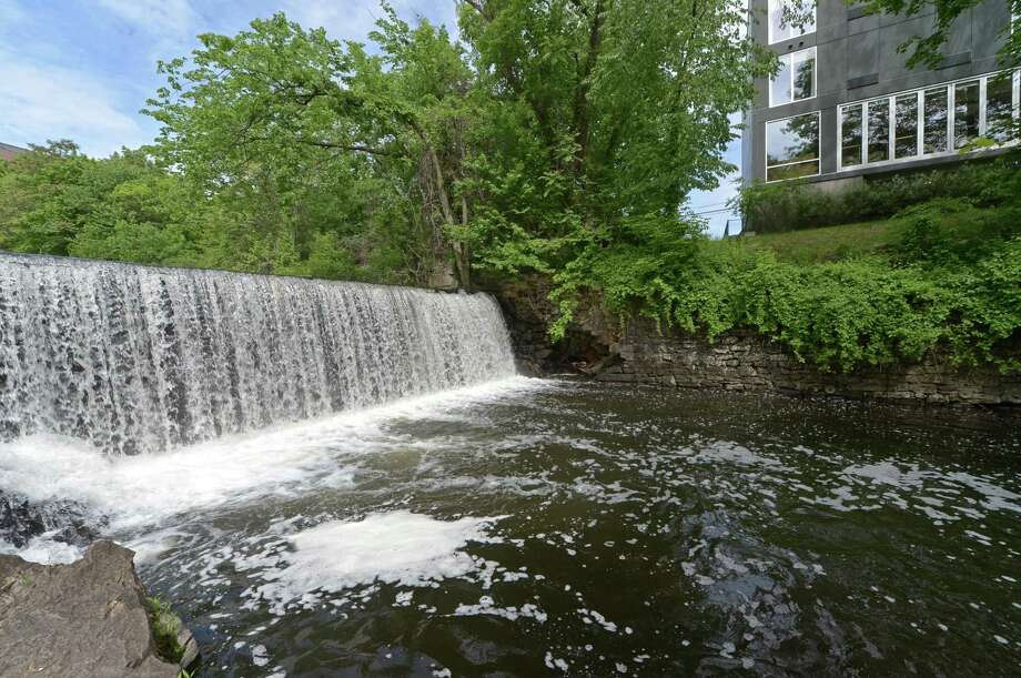 The Flock Process Dam on the Norwalk River. Photo: Erik Trautmann / Hearst Connecticut Media / Norwalk Hour
