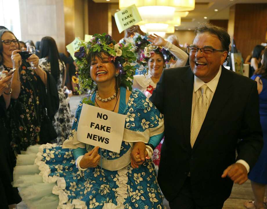 Urban-15's Catherine Cisnero and former Express- News reporter John W. Gonzalez at last year's gala. Photo: Edward A. Ornelas /Staff Photographer / © 2017 San Antonio Express-News