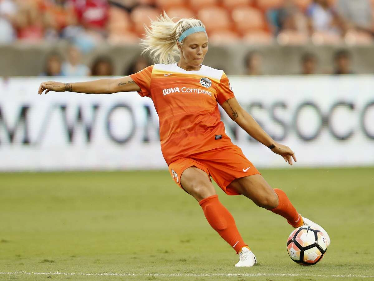 Houston Dash forward Rachel Daly (3) takes a shot in the first half during the NWSL game between the Washington Spirit and Houston Dash on Saturday July 15, 2017. The Dash lead the Spirit 1-0.