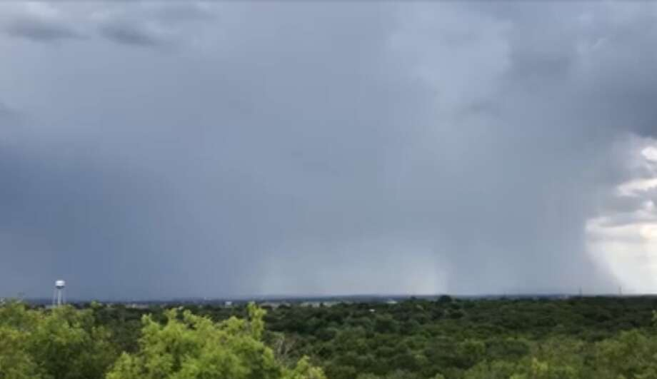 A look at Saturday's afternoon showers from Comanche Lookout Park. Photo: Rene A. Guzman
