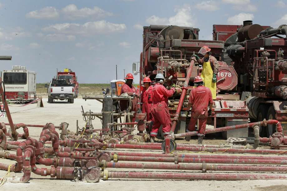 Noble Energy pump fracturing activities Monday, June 26, 2017, in Pecos, TX. ( Steve Gonzales / Houston Chronicle ) Photo: Steve Gonzales/Houston Chronicle