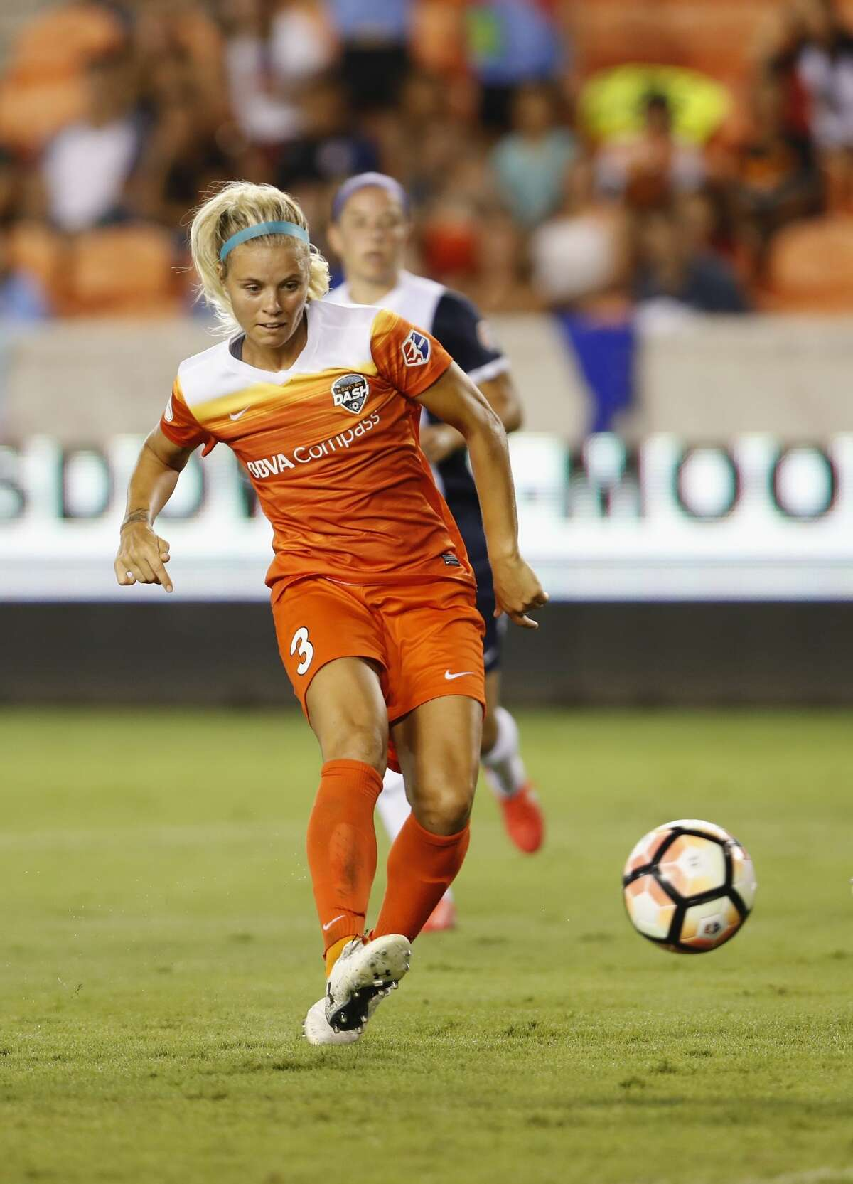 Houston Dash forward Rachel Daly (3) shoots the ball in the second half during the NWSL game between the Washington Spirit and Houston Dash on Saturday July 15, 2017. The Dash defeated the Spirit 2-1.