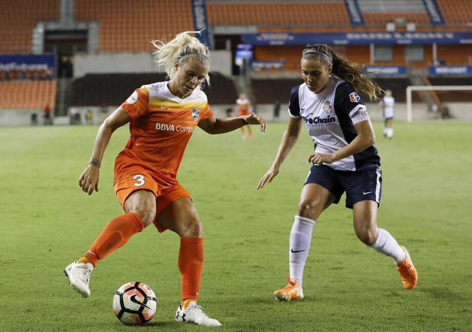 Houston Dash forward Rachel Daly (3) controls the ball defended by Washington Spirit defender Shelina Zadorsky (4) in the second half during the NWSL game between the Washington Spirit and Houston Dash on Saturday July 15, 2017.  The Dash defeated the Spirit 2-1. Photo: Tim Warner/For The Chronicle