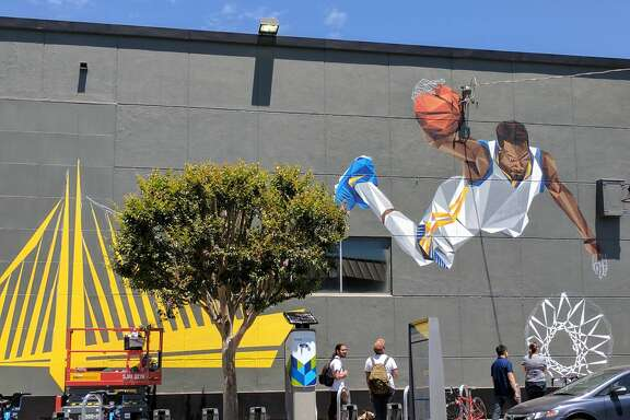 A new mural depicting Golden State Warriors forward Kevin Durant has gone up in Oakland's Temescal neighborhood.