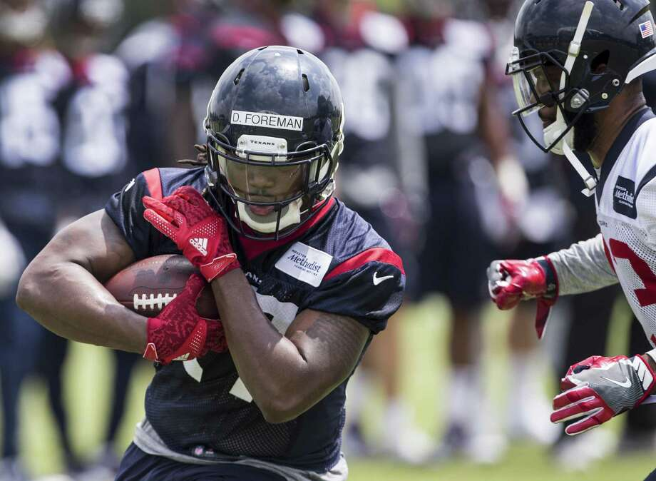Houston Texans running back D'Onta Foreman (27) runs upfield after making a catch during OTAs at The Methodist Training Center on Wednesday, May 31, 2017, in Houston. ( Brett Coomer / Houston Chronicle ) Photo: Brett Coomer, Staff / Houston Chronicle / Internal