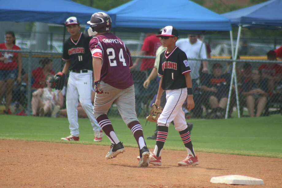 Brock Chiappeta strolls the bases after clouting his second home run Sunday, a no-doubter that gave Pearland East the lead for good. Photo: Robert Avery