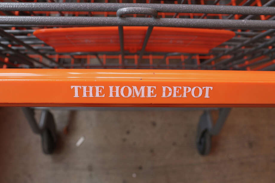 A 70-year-old Army veteran has been fired from a Houston-area Home Depot after trying to stop suspected shoplifters from taking thousands of dollars' worth of merchandise. Photo: Joe Raedle/Getty Images