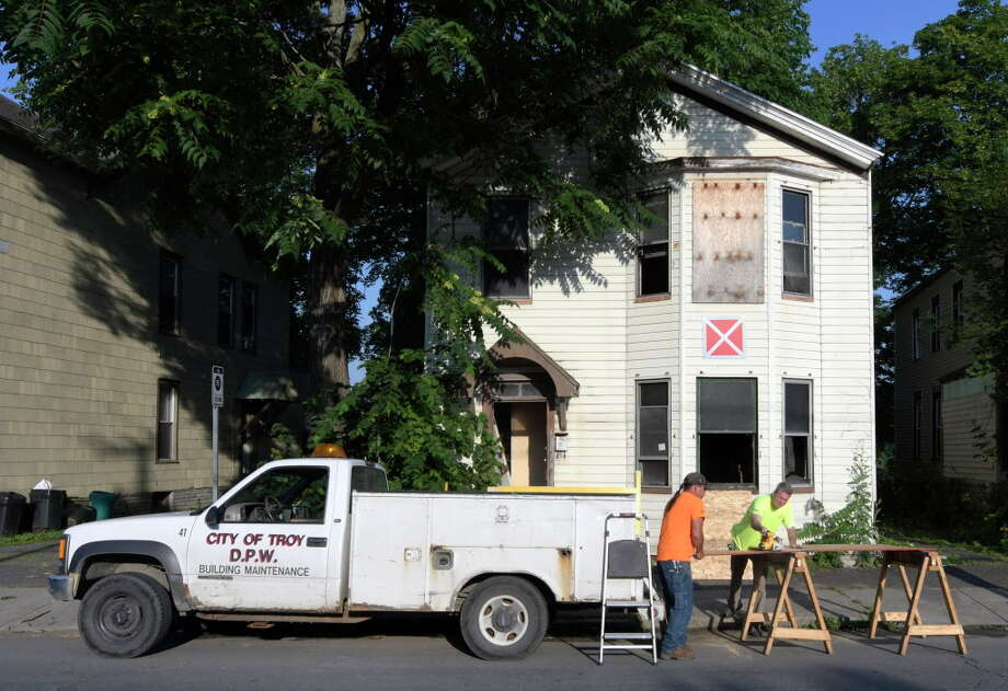 Troy hit by 5th vacant building fire in past month - Times Union