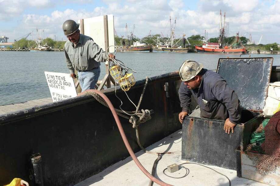 U.S. expands H-2B visas for seasonal laborers - Houston ...