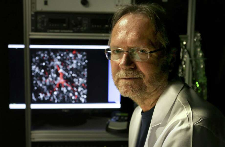 Dr. James Lechleiter, a UT Health San Antonio researcher, co-founded Astrocyte Pharmaceuticals. Photo: Bob Owen /San Antonio Express-News / ©2017 San Antonio Express-News