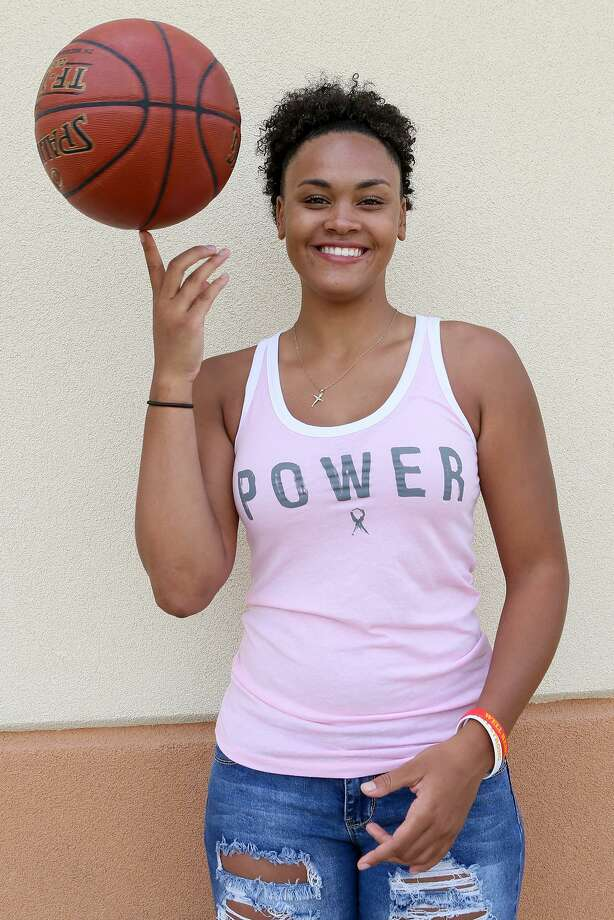Former Highlands volleyball and basketball player, Jazmine Jackson will be attending Collin College in Plano this fall on a basketball scholarship. Photo: Marvin Pfeiffer /San Antonio Express-News / Express-News 2017
