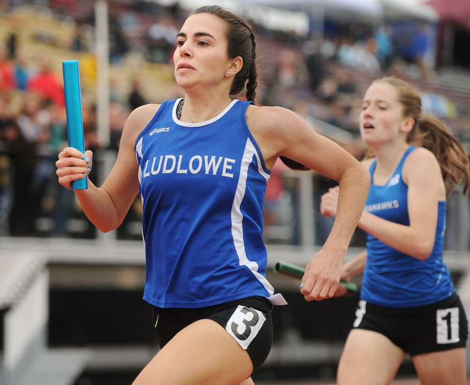 Fairfield Ludlowe's Brianna Auray runs the anchor leg in the girls 4 x 400 meter relay at the State Open Outdoor Track championships at Willow Brook Park in New Britain, Conn. on Monday, June 5, 2017. Photo: Brian A. Pounds / Hearst Connecticut Media / Connecticut Post