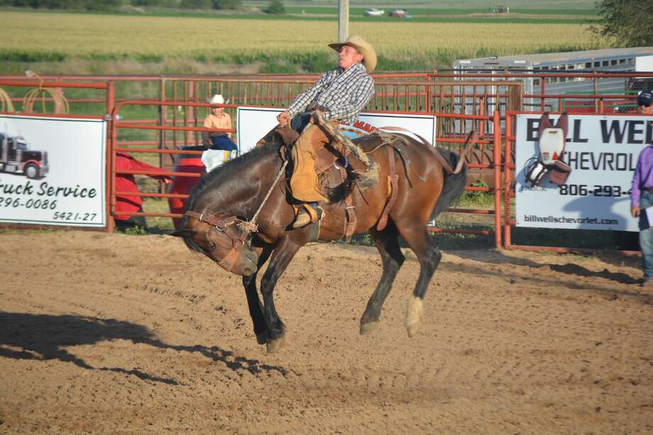 Rodeo Fans Flock To Bar None Arena Plainview Daily Herald