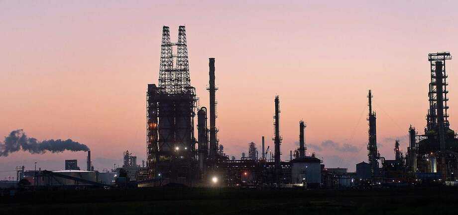 FILE - Citgo's Corpus Christi refinery is one of three owned by the American subsidiary of Venezuela's state-owned oil company, PDVSA. Friday, Harvest Natural Resources filed a lawsuit against the Venezuelan company, alleging it had forced the Houston firm out of business. Photo: Eddie Seal /Bloomberg / © 2012 Bloomberg Finance LP