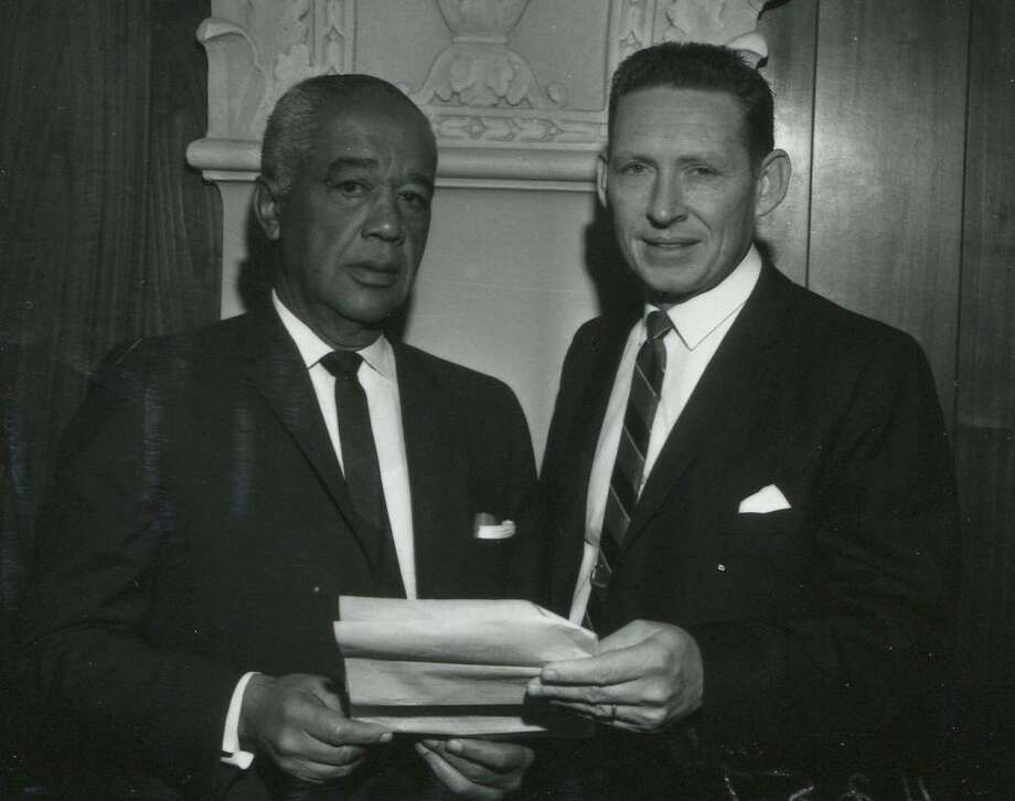 Valmo Bellinger with Rev. C. Don Baugh on Dec. 18, 1963. Photo: Courtesy UTSA Special Collections