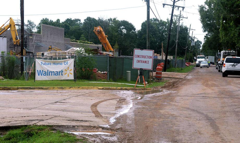 Construction crews build the future Super Walmart in Vidor on East Tram Road Monday.  Photo taken Monday, July 17, 2017 Guiseppe Barranco/The Enterprise Photo: Guiseppe Barranco, Photo Editor