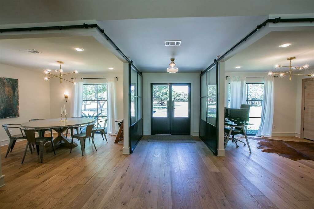 Modern Ranch Designed By 'Fixer Upper'S' Chip, Joanna Gaines On