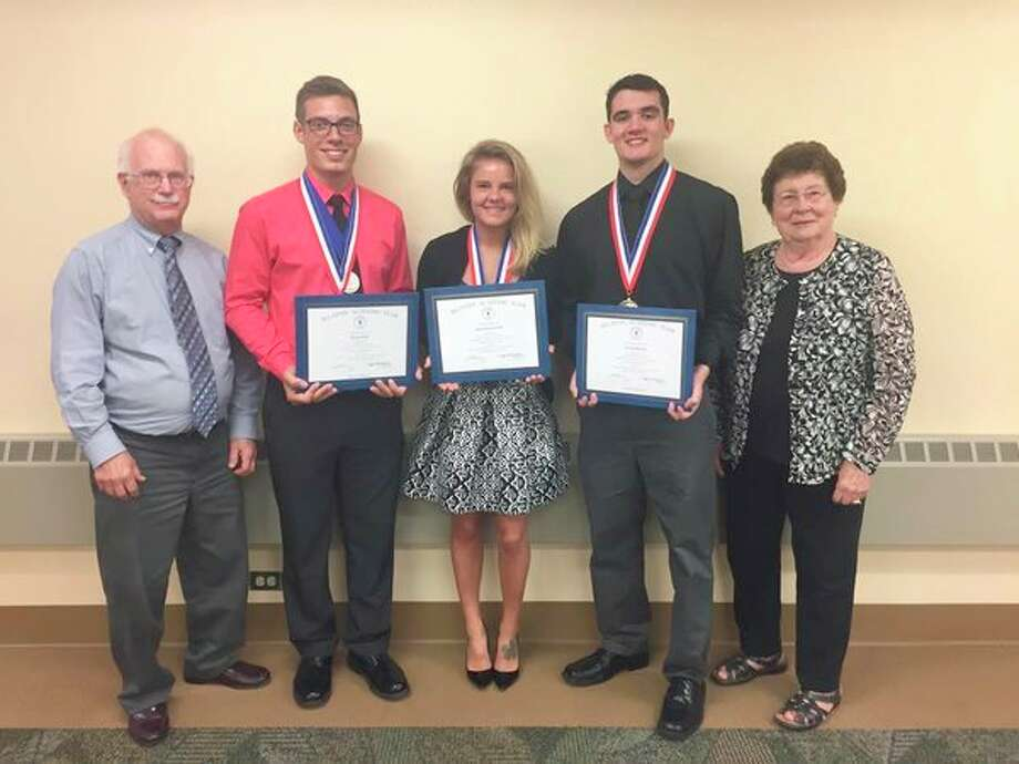 From left, MMCC Board of Trustees President Douglas Jacobson stands with Phi Theta Kappa members Bryan Cody, Kilee Sommerville and Steven Bentley, along with Board of Trustees Vice Chair Betty Mussell. (Photo provided)