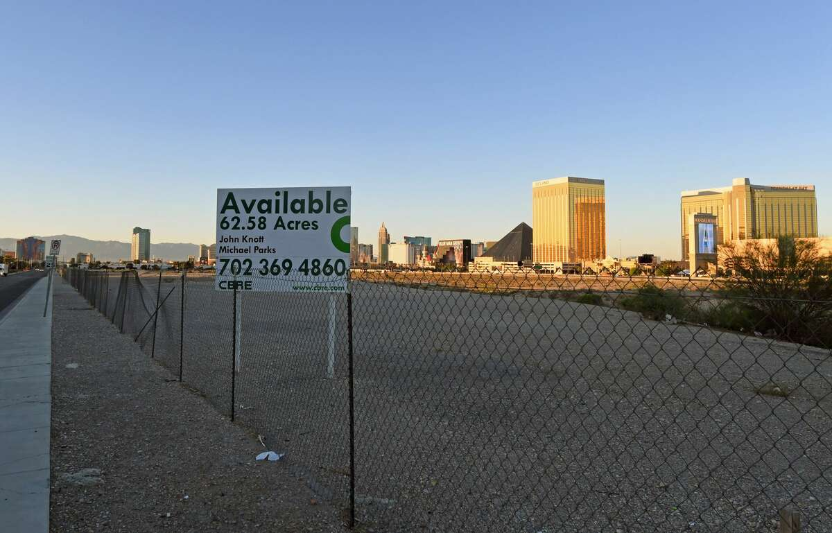 A 62-acre site west of the Las Vegas Strip that was purchased by the Oakland Raiders for USD 77.5 million is shown on May 1, 2017 in Las Vegas, Nevada. The team is expected to begin play no later than 2020 in a planned 65,000-seat domed stadium on the site at a cost of about USD 1.9 billion. (Photo by Ethan Miller/Getty Images)