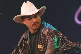 A tribute show Wednesday will feature Emilio Navaira's touring band from the 1990s, when the singer was on top of the Tejano world and breaking into the country mainstream.