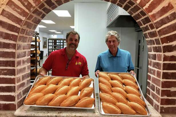 The new El Bolillo Bakery on Southmore in Pasadena opens July 19, 2017.