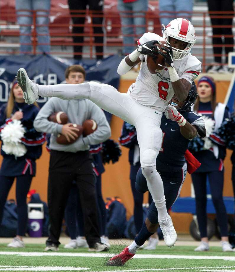 The Woodlands wide receiver Kesean Carter verbally commited to Texas Tech Tuesday afternoon. Photo: Jason Fochtman, Staff Photographer / Houston Chronicle