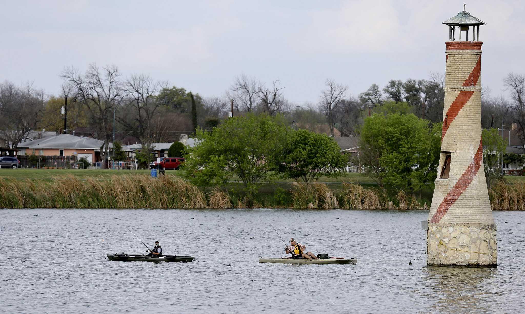 Woodlawn Lake San Antonio,Texas <br><img src=