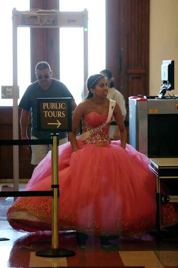 5db0b49d2cc Quinceañeras dance at the Capitol to protest sanctuary cities law ...