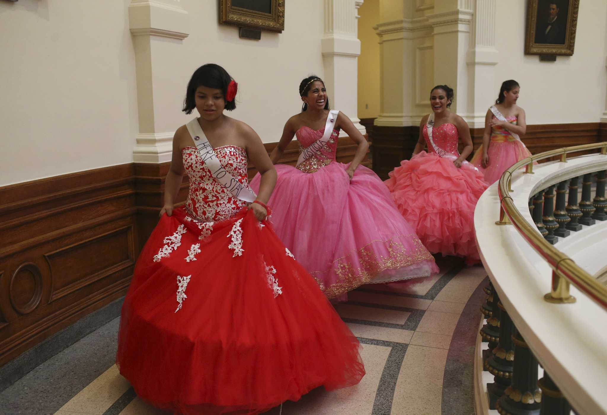 d18c1840918 Quinceañeras dance at the Capitol to protest sanctuary cities law - San  Antonio Express-News
