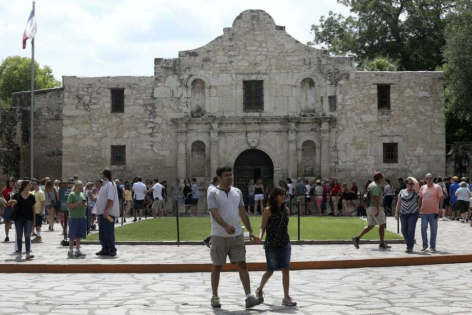 In reimagining the Alamo, planners should maintain the integrity of the original footprint. Photo: JOHN DAVENPORT /San Antonio Express-News / ©John Davenport/San Antonio Express-News