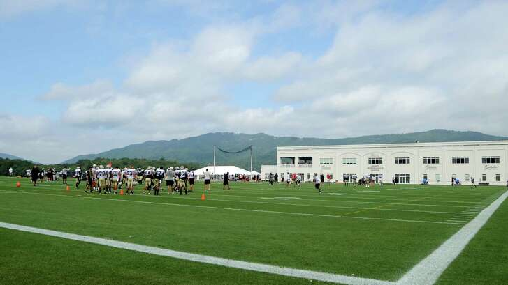 New Orleans Saints on the field at the Greenbrier Resort in W.Va during the NFL football teams  training camp in White Sulphur Springs, W.Va., Friday, Aug. 5, 2016. (AP Photo/Chris Tilley)