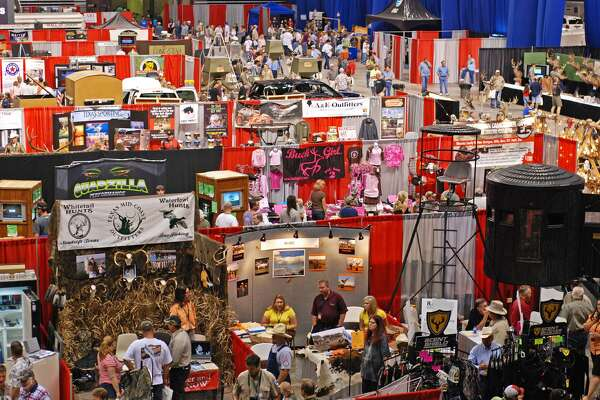 Booths and people pack the floor of the Alamodome at the annual Hunters Extravaganza, which featured more than 700 exhibitors and drew more than 50,000 visitors at the 2016 shows in Fort Worth, Houston, San Antonio and Corpus Christi.