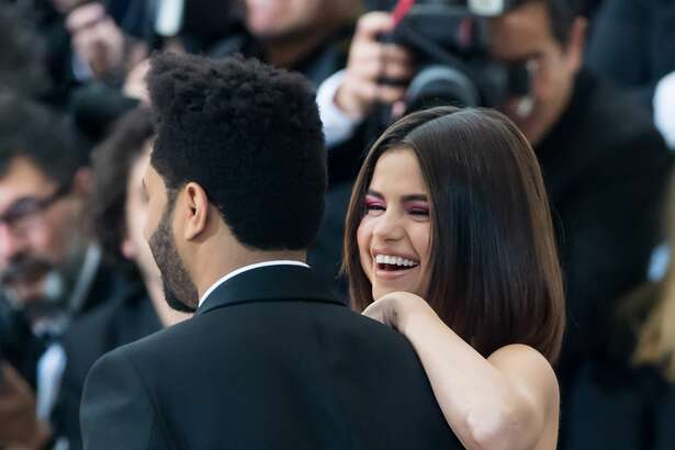 NEW YORK, NY - MAY 01:  Singers The Weeknd (L) and Selena Gomez are seen at the 'Rei Kawakubo/Comme des Garcons: Art Of The In-Between' Costume Institute Gala at Metropolitan Museum of Art on May 1, 2017 in New York City.  (Photo by Gilbert Carrasquillo/GC Images)