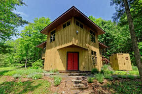 House of the Week: 1246 Switzkill Road, Berne |  Realtor:    Michelle Curran of RealtyUSA  |  Discuss:   Talk about this house